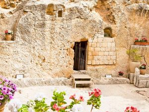 Watch: Garden Tomb sunrise service from Jerusalem